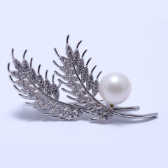 Брошка жіноча Welfare LN1346B silver